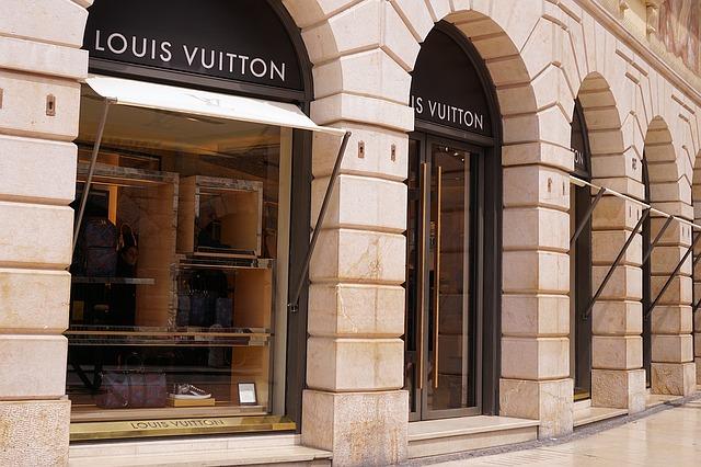 boutique de luxe à parise