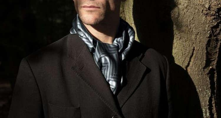 Foulard en soie l'accessoire du dandy
